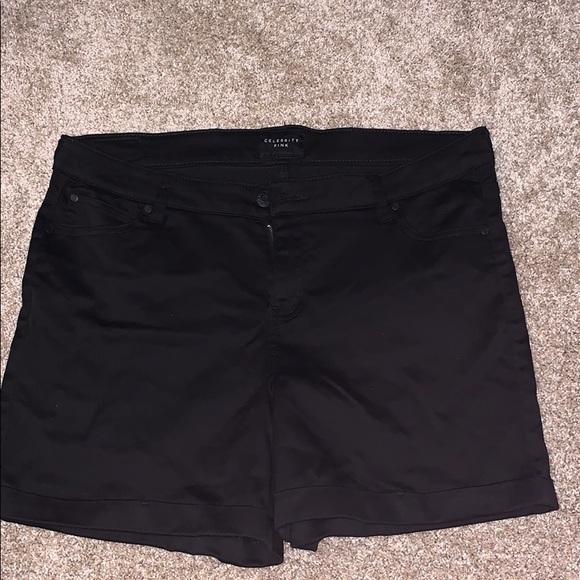 Celebrity Pink Pants - Black stretch jean short